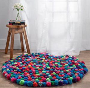 tappeto pompom lana colorati fai da te