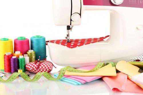 Cucito creativo gli strumenti base per creazioni fai da for Creazioni fai da te per la casa