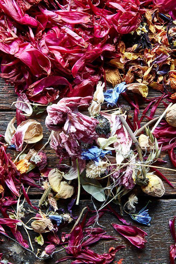 fiori essiccati per tingere