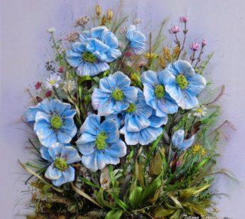 fiori azzurri ricamo telaio