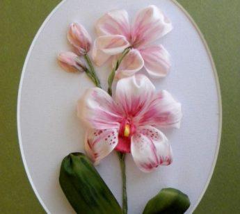 ricamo fiori fatto a mano