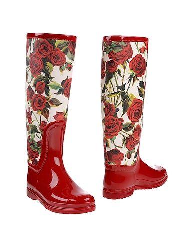 stivali rossi da pioggia con rose dolce e gabbana