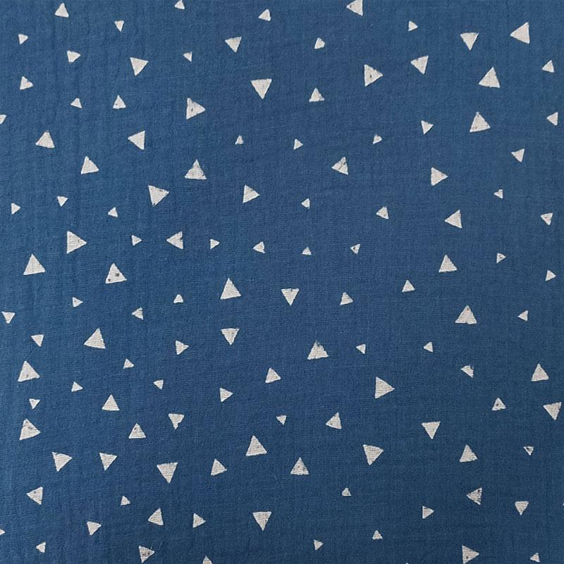 Mussola Cotone Triangoli Bianchi Sfondo Azzurro