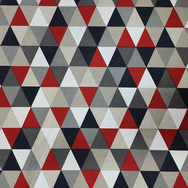 Tessuto Misto Cotone Triangoli Toni del Rosso e Grigio