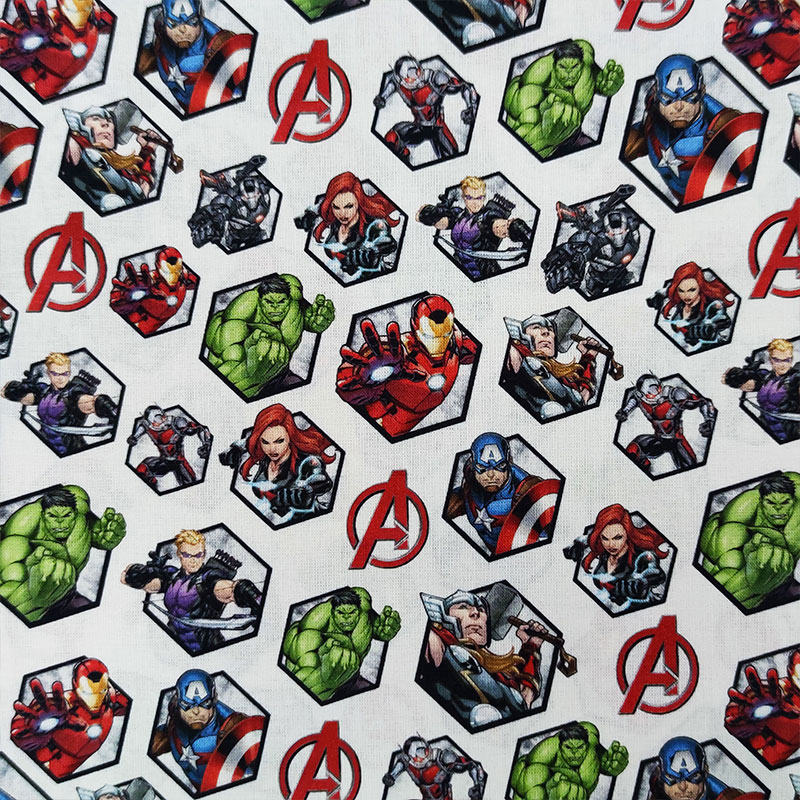 Tessuto Cotone Marvel Avengers con Logo
